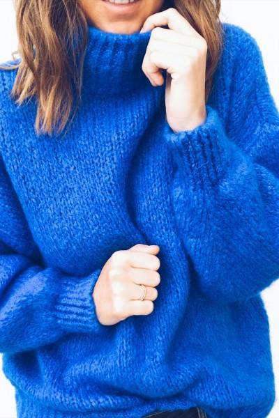 Pull Colette bleu électrique