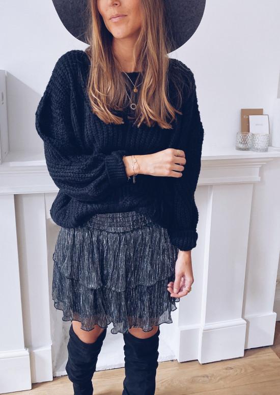 Black Isa skirt