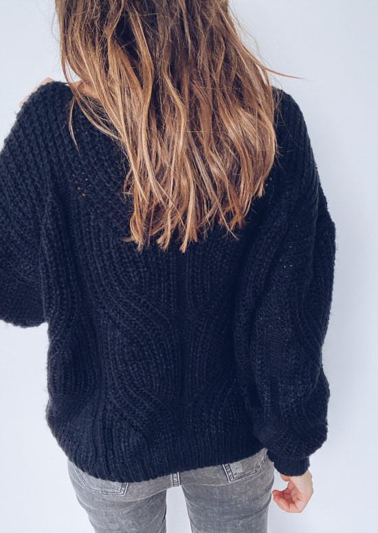 Ines black sweater