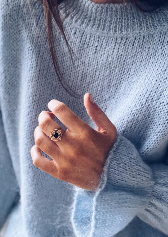 Golden Elye ring