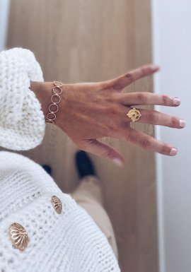 Golden Stani ring
