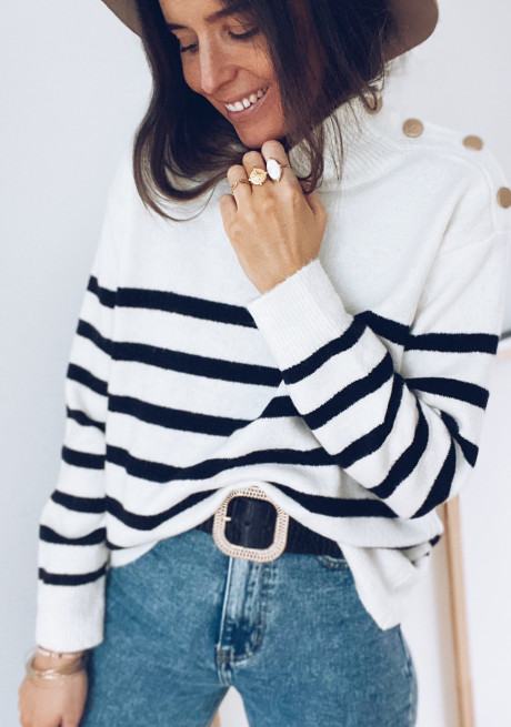 Gaella sweater with lines
