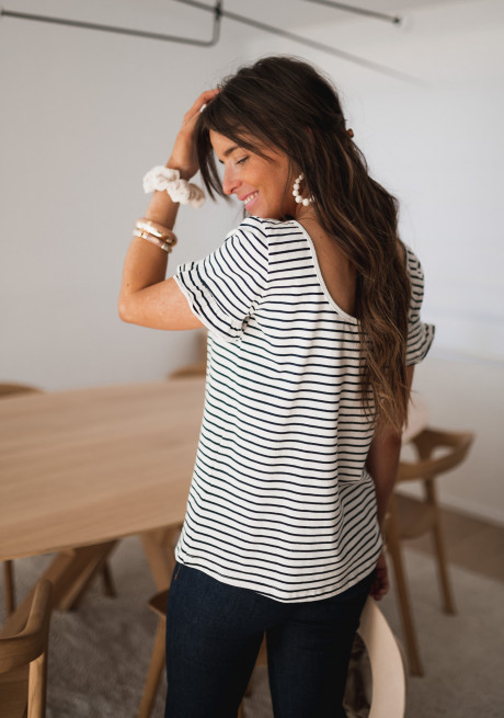 Alyna t-shirt with lines