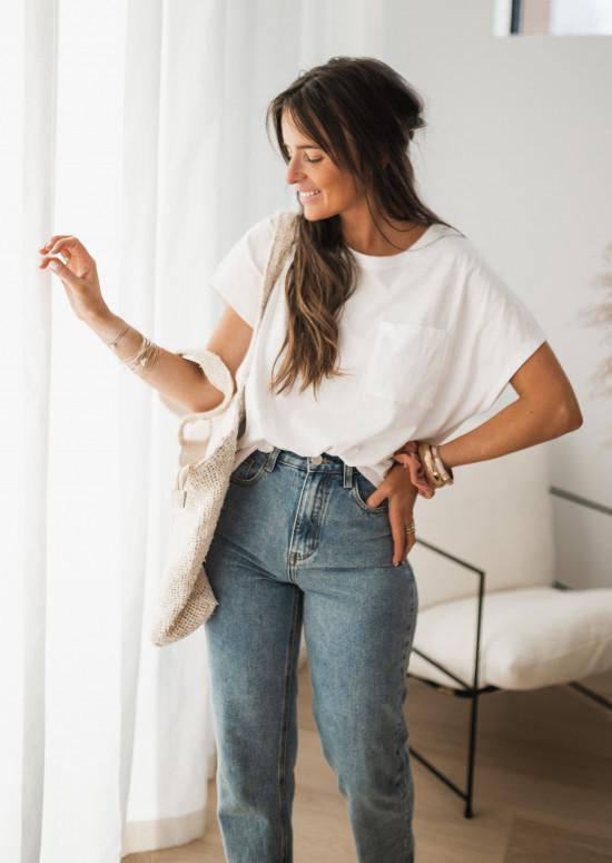 White Léone t-shirt