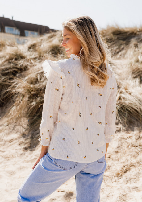 White Anila blouse with flowers