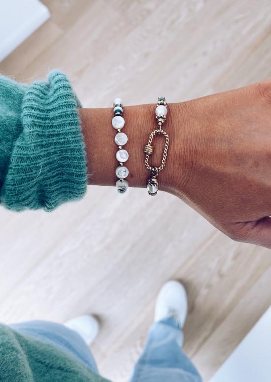 Algia bracelet with green stones