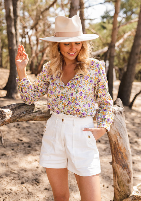 Marga shirt with flowers
