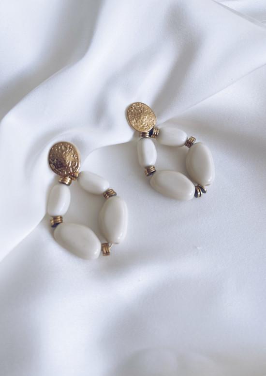Boucles d'oreilles Naman dorée écrues