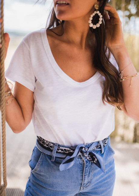 White Sunsa t-shirt