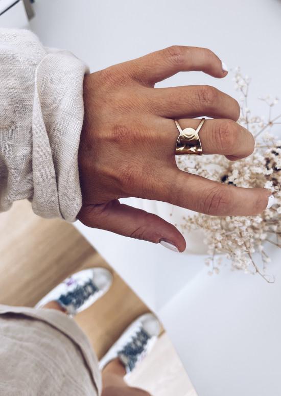 Golden Ingo ring