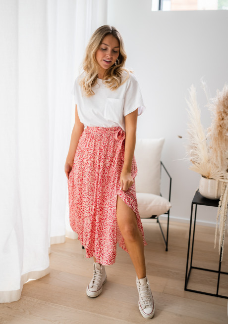 Red Arto skirt with flowers