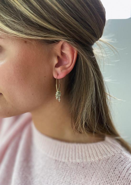 Golden Zephir earrings with green pearls