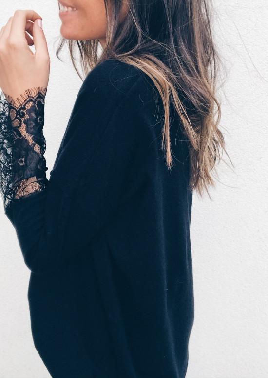 Black Pullover Elora